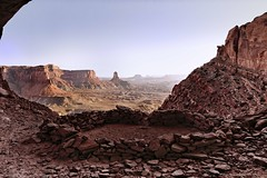 Circle in the shade (Furcletta) Tags: usa southwest stone utah nativeamerican canyonlands moab kiva islandinthesky