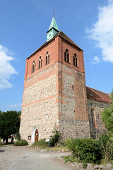 8305 Kirchturm der romanischen Stadtkirche St. Georg in Arneburg. (stadt + land) Tags: kirchturm romanisch stadtkirche georg stadt arneburg elbe landkreis stendal sachsenanhalt
