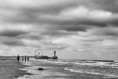 Scheveningen (Thijs Tennekes) Tags: scheveningen denhaag pier beach sea water sand cloud clouds people thijs tennekes