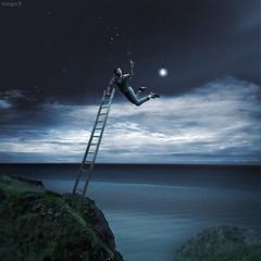 Le veilleur de nuit. (tooga1) Tags: blue light boy sea sky cloud mer men guy clouds ampoule echelle tooga flickraward