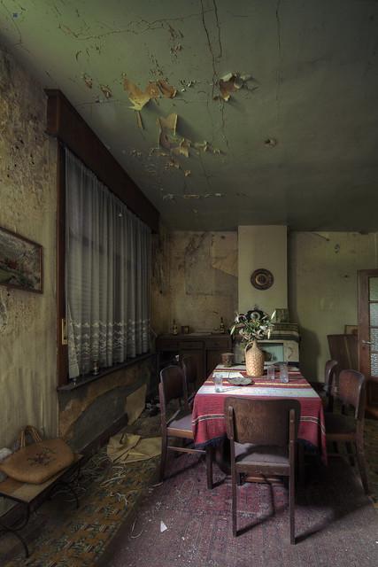 maison m. dining room