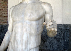 Polykleitos, Doryphoros, detail with torso (profzucker) Tags: greek ancient pompeii naples spearbearer doryphoros thecanon museoarcheologiconazionaledinapoli polykleitos