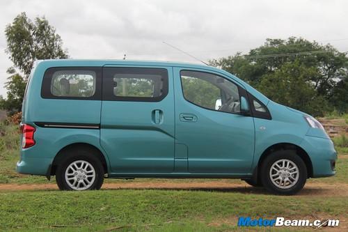 2012-Nissan-Evalia-11