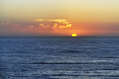 Espinho's sunset, north Portugal. (XavierParis) Tags: blue sunset sea summer orange mer color praia beach portugal yellow azul clouds jaune mar nikon laranja playa cu bleu amarillo amarelo prdosol nubes verano nuvens puestadesol xavier t nuages na
