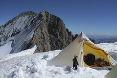"Khufu CTF3 + Customized Full Breathable-Ripstop Inner Shelter was pitched at the Dôme de Neige of the Écrins (4,015m) • <a style=""font-size:0.8em;"" href=""http://www.flickr.com/photos/40286809@N02/7835975830/"" target=""_blank"">View on Flickr</a>"