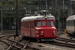 SLMNr 3689 : SBB Triebwagen RAe 4/8 1021 Churchill - Pfeil ( Roter - Pfeil - Doppelpfeil - Ursprünglich RBe 4/8 301 - Hersteller SLM Nr. 3685 - Baujahr 1938 ) am Bahnhof Bern im Kanton Bern der Schweiz (chrchr_75) Tags: hurni christoph schweiz suisse switzerland svizzera suissa swiss kantonbern chrchr chrchr75 chrigu chriguhurni 1209 september 2012 hurni120902 albumbahnenderschweiz2012712 zug train juna zoug trainen tog tren поезд lokomotive паровоз locomotora lok lokomotiv locomotief locomotiva locomotive eisenbahn railway rautatie chemin de fer ferrovia 鉄道 spoorweg железнодорожный centralstation ferroviaria chriguhurnibluemailch september2012 albumzzz201209september rote rot roter pfeil triebwagen sbb cff ffs schweizererische bundesbahn bundesbahnen albumbahnrotepfeile albumbahnslmschweizerischelokomotivundmaschinenfabrikwinterthur slm slmnr