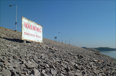 Fair warning (Kentucky Photo File) Tags: warning kpf johnperkins kentuckylake riprap kentuckydam kentuckyphotofile