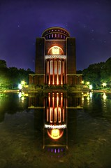 Planetarium - Spiegelung / Explore (matt.koerner1) Tags: night germany deutschland pentax nacht hamburg matthias planetarium hdr stadtpark k5 krner sigma1020 mattkoerner1
