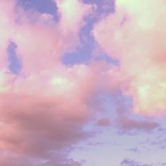 现在为你开示本觉。要点有三:  清除过去之念,不留纤毫痕迹;  向未来之念开放,不受他境所染;  安住当下心境,不修整造作。  如此的觉照,实在平凡无奇,  无思无念地观照自我,  若仅仅纯粹的观察,唯见明空之境,并无任何观者存在,  当下只是纯粹的觉照而已   http://www.yellowdragon-buddhism.org.uk   #fortunetelling #astrology #palmreading #meditation #fengshui #spiritualmaster #t