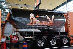 IAA 2012 - 88 Stand FFB Spezialfahrzeugwerke Feldbinder (BonsaiTruck) Tags: hannover silo camion trucks eyecatcher 2012 iaa bulk lorries lkw ffb messestand citerne nutzfahrzeuge leichtgewicht feldbinder powdertank spezialfahrzeugwerke
