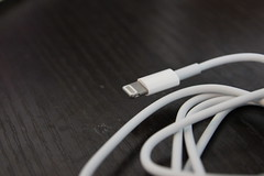 white apple smartphone gadget iphone iphone5 64gb (Photo: planetofgori on Flickr)