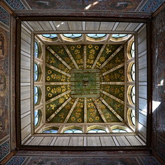 Eco Normanna (Marco Vitale_) Tags: square middle age sicily italy sicilia italia architecture castle palermo federico ii rithm light roof ceiling art travel discovering