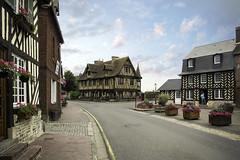 ROLY0697- Beuvron en Auge - Normandie - France (Rolye) Tags: beuvron beuvronenauge normandie calvados pentaxart