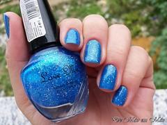 LOVE ME - 506 (Raíssa Assis) Tags: esmalte esmaltes nail nails notd azul glitter importado loveme unhas unha unhadodia mão mãos