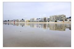 DSCF0165 copie (sylvainbachelot) Tags: baule pornichet plage sable mer ciel vague matin soir soleil mauijim coquillage toile de bord lumire mlancolie fujix70 panorama nature