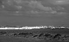 La sal en la tormenta (Fotgrafo-robby25) Tags: byn fujifilmxt1 marmenor nubes parqueregional salinasyarenalesdesanpedrodelpinatar sanpedrodelpinatarmurcia