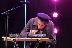 Roel Vermeer 7464-3_6158 (Co Broerse) Tags: music composedmusic contemporarymusic jazz pop haarlemjazzmore grotemarkt haarlem 2016 cobroerse roelvermeer roelgostovermeer vocals multiinstrumentalist electronics songwriter
