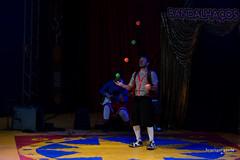 9 Festival Paulista de Circo (henriiqueprado) Tags: nikond3200 festivalpaulistadecirco circo circus palhao clown juggling malabares 50mm expressyourself