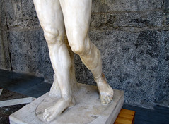Polykleitos, Doryphoros, detail with legs (profzucker) Tags: greek ancient pompeii naples spearbearer doryphoros thecanon museoarcheologiconazionaledinapoli polykleitos