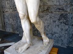 Polykleitos, Doryphoros, detail with legs
