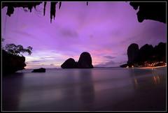 Evening light at Phranang Beach (Frederic Huber | Photography) Tags: blue light sunset red sea rot beach water sunrise canon thailand evening rocks meer wasser colours sonnenuntergang blau ferien krabi huber frederic railay rayavadee phranang eos7d sigma816 frederichuber