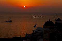 Tramonto Oia (Paolo.Riva.) Tags: ocean sunset orange sun water canon boats island 2470mml tramonto mare barche santorini grecia canon5d canoneos f28 2470l oia arancione oceano 2470mm 2470 canonlens canon2470mm canon2470mmf28lusm