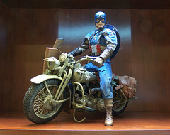 "Motorcycle for Hot Toys Captain America • <a style=""font-size:0.8em;"" href=""http://www.flickr.com/photos/7878415@N07/7887993464/"" target=""_blank"">View on Flickr</a>"