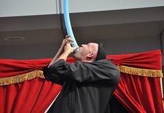 Gulp (MaretH.) Tags: fun comedy clown ballon balloon entertainment streetperformer mime gulp dado luftballon unterhaltung schlucken komiker darsteller strasenknstler