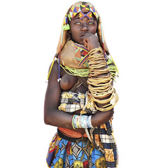 Njange - a highly adorned Mumuhuila girl (abgefahren2004) Tags: africa girls friends people black cute tourism kids children de necklace beads und african south culture mario tribal des tribes tradition tribe jewels ethnic colliers cultura sul tribo necklaces angola ethnology tribu tourismo herero tchter windes shne etnia tnico tarditional etnias angolan ethnie gerth hereros  mumuila  muhuila  muhacaona mumuhuila mwila      mucawana muwila muhuilas wwwmariogerthde muhuilasmumuhuilamuwilagirlskidschildrentribaltribetribu