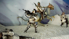 "Battle of Hoth diorama - rebel troopers in action • <a style=""font-size:0.8em;"" href=""http://www.flickr.com/photos/86825788@N06/7949264712/"" target=""_blank"">View on Flickr</a>"