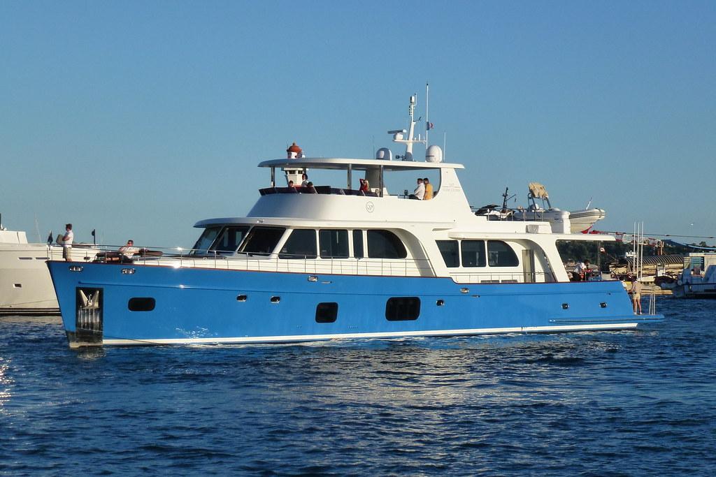 Moni (Vicem 107 Cruiser)