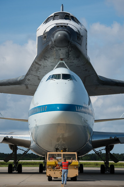 Space Shuttle Endeavour (201209180012HQ)