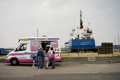 Wippy Falcon (jamiethompson01) Tags: van pink beach london ship cream ice whitstable uk unitedkingdom august sony a7 zeiss 55mm 18f oysters