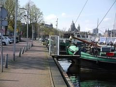 Walking along the Prins Hendrikkade and the quay of the Oosterdok water between Nemo and Central Station Amsterdam - geo-tagged free urban photo, in public Commons domain; Fons Heijnsbroek (Amsterdam city photos, geotagged) Tags: prins hendrik kade ships boats water oosterdok harbor amsterdam spring iron riveted history old docklands waterfront outdoor road publicdomain publiekdomein nocopywright freedownload fonsheijnsbroek ccophotography freephotos photofree opensourcephotos geotagged thenetherlands commons photography amsterdamcity prinshendrikkade photo 2016