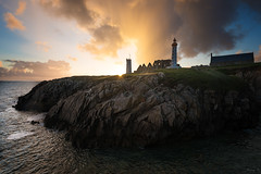 Saint-Mathieu (Tony N.) Tags: france bretagne britanny finistre phare lighthouse evening sunset soire coucherdesoleil orange smaphore clouds nuages sea mer sky ciel d810 nikkor1635f4 vanguard tonyn tonynunkovics