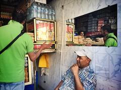 Pan marroqu (yanitzatorres) Tags: mercado espejo vender comprar negocio pan morocco marroqu marruecos