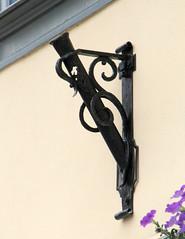 Relict (:Linda:) Tags: metal germany town thuringia badlangensalza flagholder fahnenhalter
