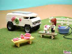 Mia's Pet Grooming Van (ZetoVince) Tags: friends pet car truck greek lego vince grooming vehicle chopped van minidoll zeto zetovince