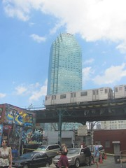 Citi Tower and a 7 train (LeafsHockeyFan) Tags: city nyc newyorkcity building subway queens mtz 5pointz 7train cititower