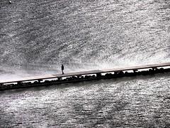Einsamer Mann am Meer (einervonneruhr) Tags: art pen meer dramatic olympus filter ostsee tone fehmarn burg schleswigholstein effekt ep3 14150mm dramatischer mzuiko