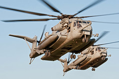 sikorsky ch-53e super stallion (MatthewPHX) Tags: arizona us nikon marine super corps marinecorps tactics stallion weapons yuma instructor sikorsky ch53 d90 superstallion usmarinecorps ch53e wti weaponsandtacticsinstructor