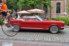 Mustang and pennyfarthing (expatwelsh) Tags: red summer bicycle zomer fordmustang pennyfarthing fiets x100 groede cs5