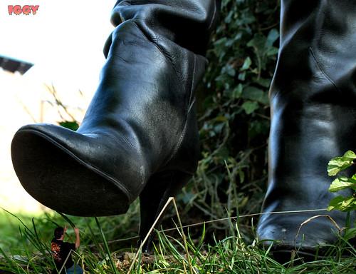 Giantess Deeane Shoe Size