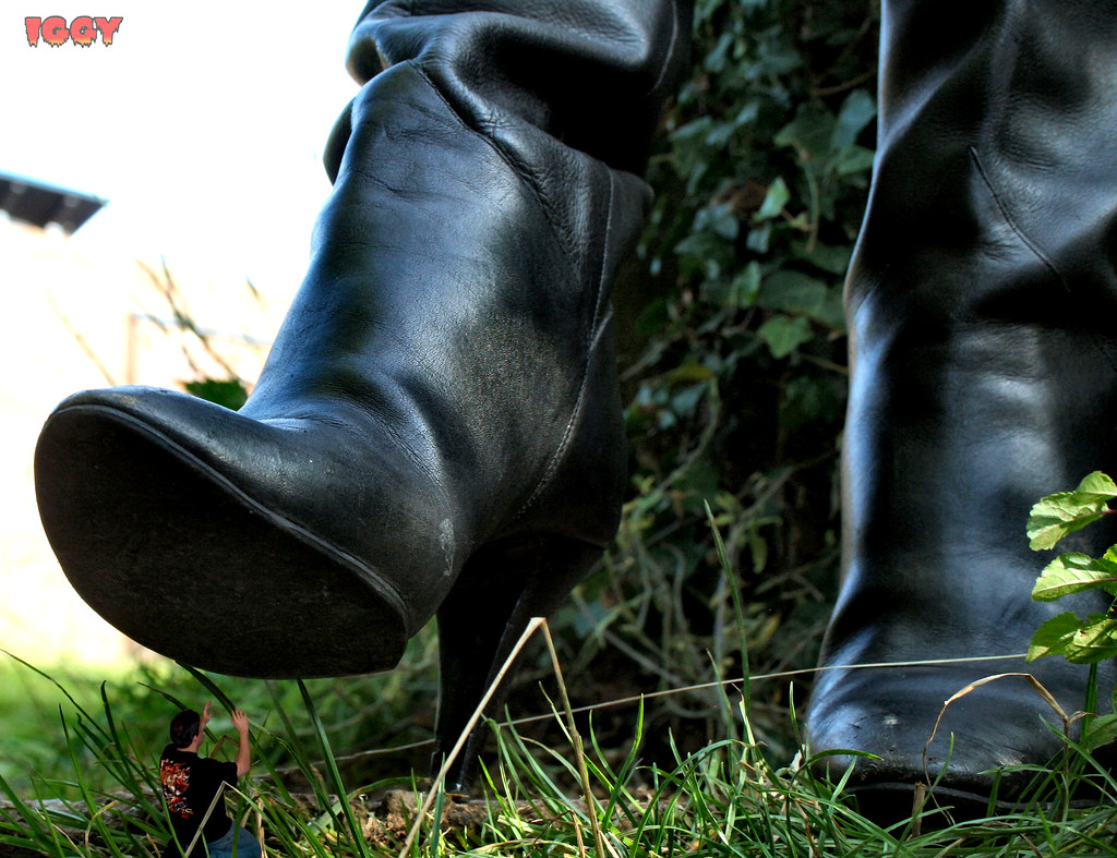 How To Shrink Leather Dress Shoes