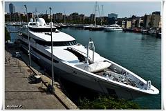 Yate........yate digo, menuda canoa----(yacht) (# RAMN Mortadelo #) Tags: barcelona puerto barco maremagnum yate puertodebarcelona yatedelujo rememberthatmomentlevel1 rememberthatmomentlevel2 mortadelo65pp molldeespaa