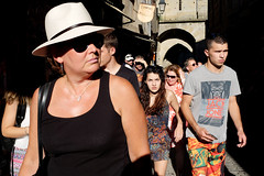 eye contact and sun glasses (yaya13baut) Tags: carcassonne citdecarcassonne tourists touristes people groupofpeople street streetphotography streetlife streetphoto streettogs streetphotographers faces sunglasses light color colorstreet colorful eyecontact hat fujifilm fuji fujix100s fujifilmx100s x100s