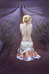 Lost hugs  / Abrazos perdidos (pasotraspaso. Jesus Solana Fine Art Photography) Tags: abrazo hug lost perdidos lavanda lavender fineart lady beauty belleza tatoo blonde infinite