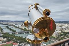 Un ojo sobre Pars (CarlosJ.R) Tags: eiffel francia pars ro sena torreeiffel torre