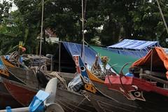 IMG_4428a - Boats at Ci B, Vietnam (Wayne W G) Tags: cib vietnam asia southeastasia caibe avalon boat boats river rivers mekong