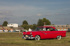 '55 Ford Victoria (Count Rushmore) Tags: countrushmore count rushmore canon eos 40d 40 d international oldtimer flyin schaffen 2016 1955 ford victoria hardtop red v8